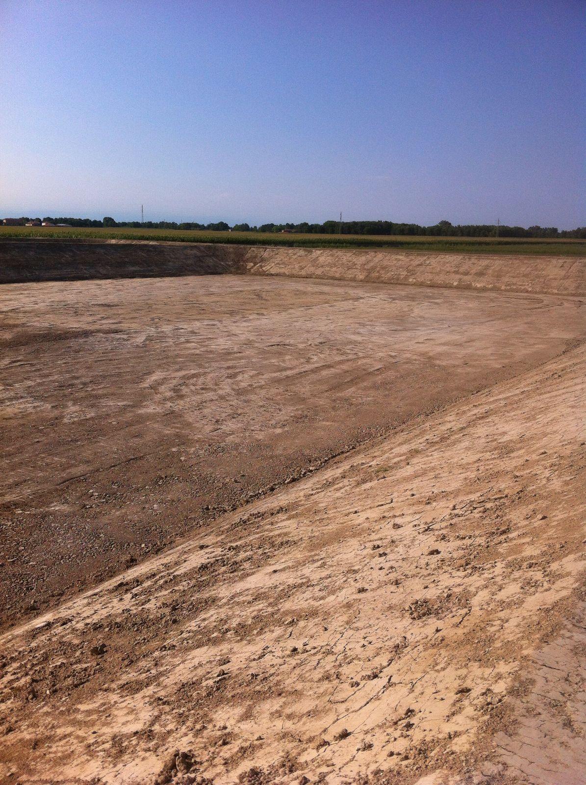 Lo scavo del grande bacino di accumulo a Cortellazzo